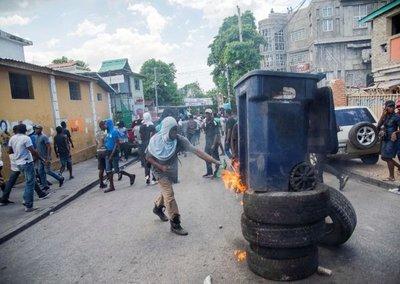 Siguen protestas para exigir la renuncia del presidente de Haití