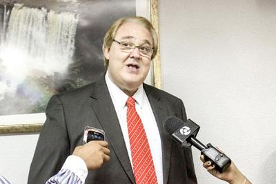 Gobernador se olvida de obras y evidencia que solo está interesado en prebendas y zoquetes