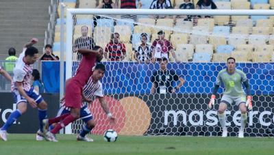 Paraguay debuta con un empate