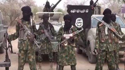 Triple atentado suicida deja treinta muertos en Nigeria