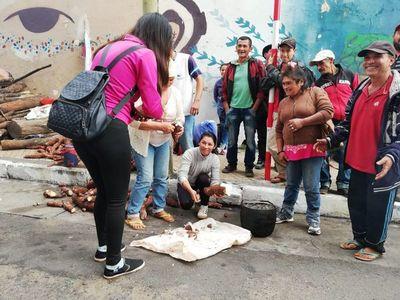 Campesinos llegaron a Asunción para donar sus productos a damnificados