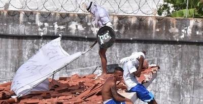 HOY / Extraditar a reos brasileños, una clave para desactivar el polvorín de cárceles, afirman