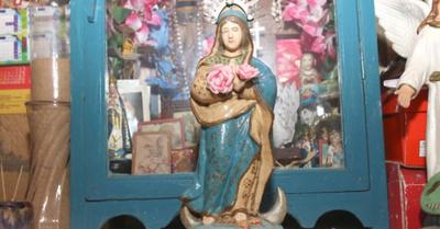 Añeja Virgen  de Caacupé es venerada con  mucha devoción