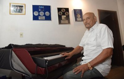 Homenaje a Óscar Faella
