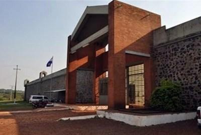 Asesinan de 17 puñaladas a interno de cárcel de Itapúa