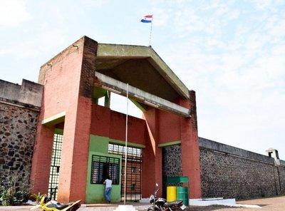Matan de 17 puñaladas a reo de la cárcel de Itapúa