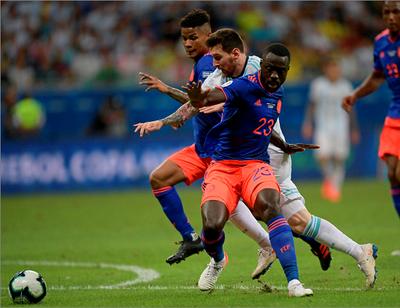 Colombia llama aun sub 20 tras lesión de Muriel