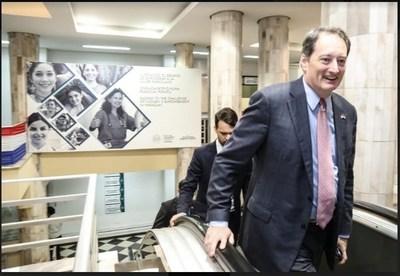 Embajador de los EEUU valoró fortaleza de la economía paraguaya