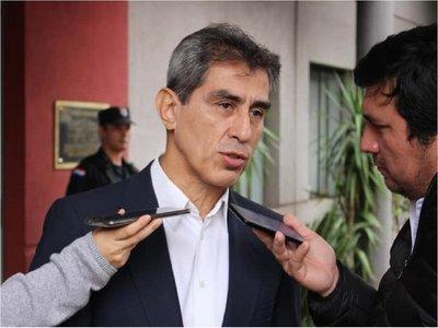Denuncian ante Fiscalía a director del IPS, ex titular y consejeros