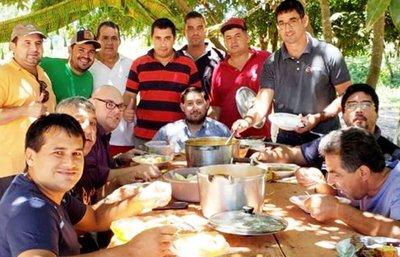 Funcionarios de J. J. Ríos comían con presos que ahora desconocen