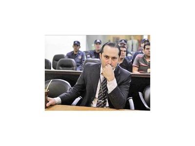 Presión de fiscales repone a Rachid