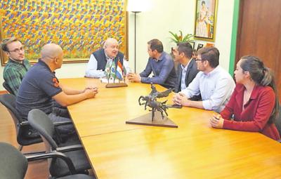 Intendente Curitiba promete apoyo