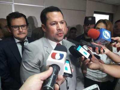 Ulises Quintana seguirá preso
