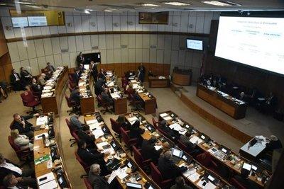 Senado analiza proyecto de reforma tributaria