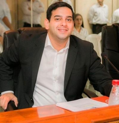 Hay que denunciar hechos de corrupción que vinculan a Ferreiro, dice concejal