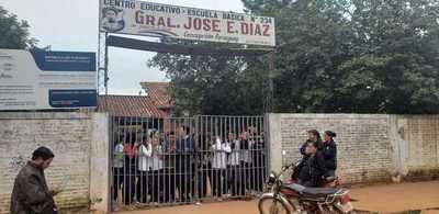 Alumnos toman colegio en Concepción