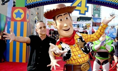 """HOY / Tom Hanks: """"Todos queremos creer que los juguetes cobran vida cuando están solos"""""""
