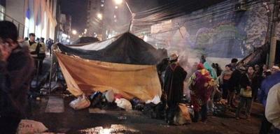 HOY / Gobierno y campesinos no acuerdan, sigue tensión en Asunción y tránsito difícil