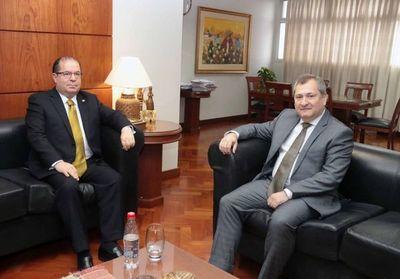 Presidente Jiménez Rolón recibe a embajador de la OEA