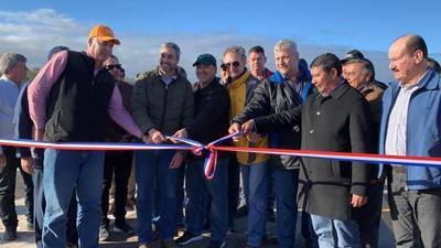 Gobierno inaugura mejoras en aeródromo para mayor conectividad del Chaco paraguayo