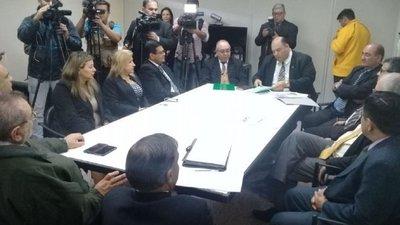 """MINISTROS RECABAN INFORMES """"IN SITU"""" SOBRE PROCESOS DE RECLUSOS ASESINADOS EN LA CÁRCEL DE SAN PEDRO"""