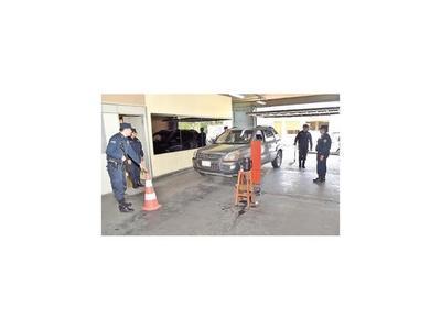 PPQ insta a legisladores a renunciar a custodia policial