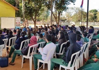 Jóvenes de Tavapy dialogan con sus autoridades
