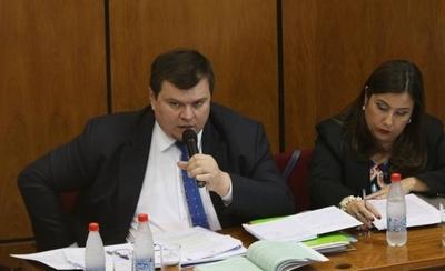 HOY / Dionisio Amarilla recurre a la justicia para recuperar su banca
