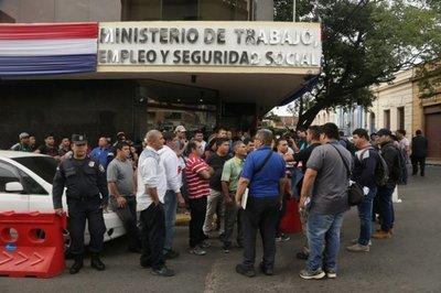 Ex guardias del IPS cobrarán indemnización
