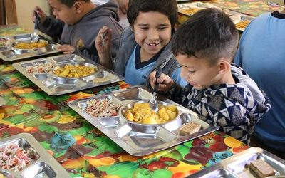 Entregan almuerzo escolar en Presidente Franco