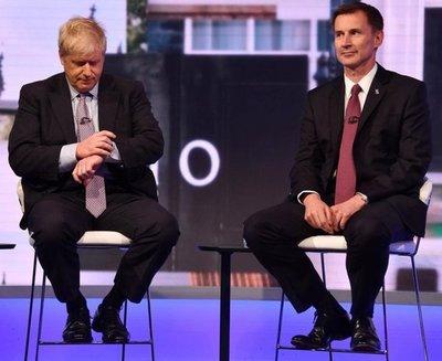 Boris Johnson y Jeremy Hunt se disputanel cargo de primer ministro