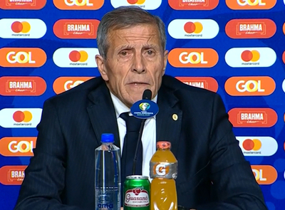 Óscar Tabárez lamenta los errores en los goles de Japón