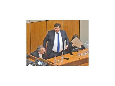 Dionisio Amarilla acciona ante la Corte para volver al Senado