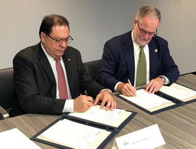 Itaipu firma acuerdo con Smithsonian para habilitar mayor centro ambiental del Cono Sur