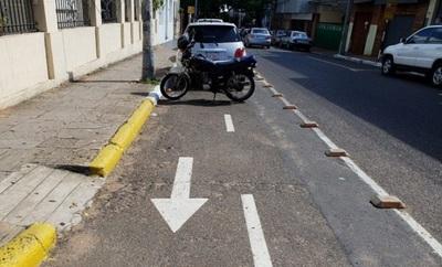 Estas son las multas por estacionar en la bicisenda de Iturbe