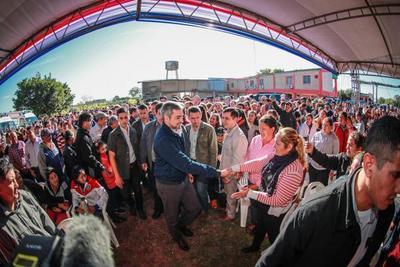 Pobladores de Misiones reciben aportes para las áreas de Salud, Educación y Agricultura