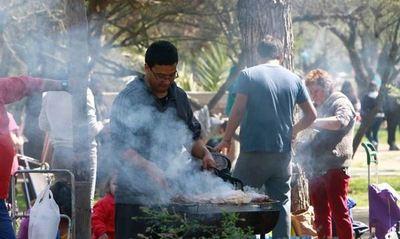 Piden no preparar asados en Santiago de Chile este viernes por contaminación