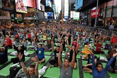 Día Internacional del Yoga en el mundo