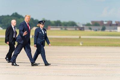 EEUU estuvo a un botón de atacar a Irán, pero Trump lo suspendió en el último minuto