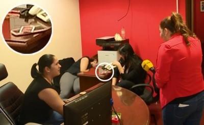 """Funcionarias de Diputado desvinculadas por jugar """"UNO"""" en oficina"""