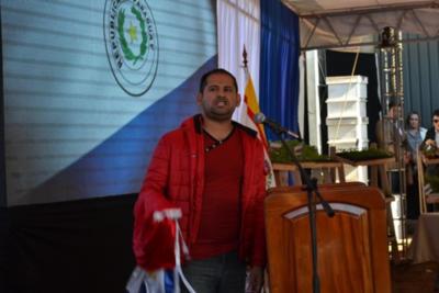 """Joven """"rompe protocolo"""" y exige a Mario Abdo priorizar salud y trabajo"""