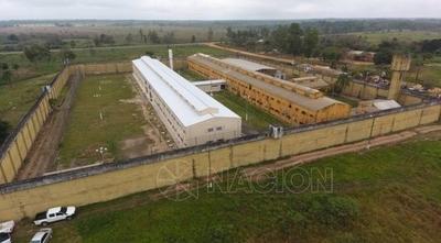 HOY / Abuso de prisión preventiva y morosidad son el problema no escasez de cárceles, alertan