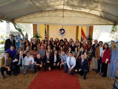 Juran 40 nuevos voluntarios del Cuerpo de Paz