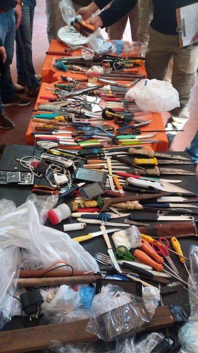 Requisan armas y drogas de cárcel
