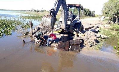 Sanjuaninos del Ñeembucú trabajan para superar secuelas de inundación