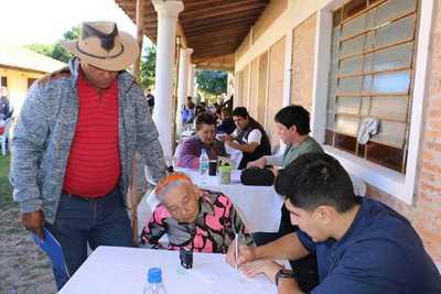 Gobierno acercó asistencia a pobladores de San Juan del Ñeembucú