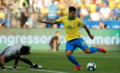 HOY / Furibunda Brasil se descarga con Perú y avanza