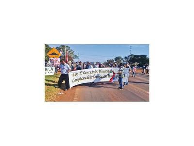 Vendedores  exigen  construcción de terminal en cruce de Minga Guazú