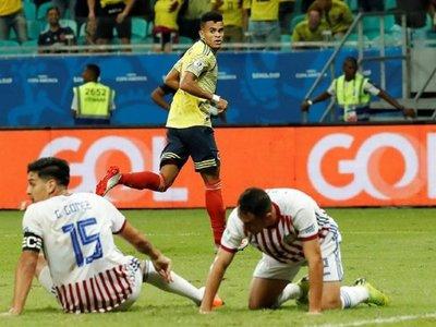 Una decepcionante Paraguay cae ante Colombia y queda pendiente de un milagro