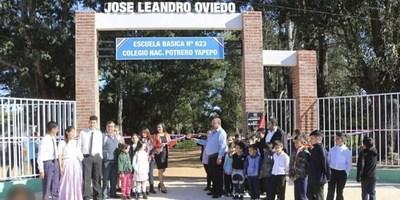 LA INTENDENTE DEL PILAR ENTREGÓ OBRAS EN ESCUELA DE POTRERO YAPEPÓ.